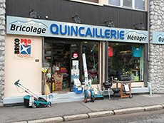 Shops of bricolage diy do it yourself and for the home in chamonix quincaillerie metral chamonix quincaillerie diy shop bricolage mtral chamonix town center to renovate solutioingenieria Image collections