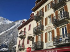 The Hotel Is Ideally Situated In Centre Of Chamonix 50m From Tourist Office And Ski Buses Steps Away S Restaurants Bars Nightclubs