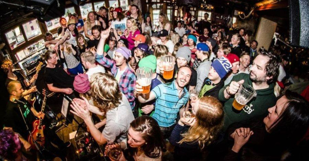 the best chamonix apres ski and nightlife bars to visit