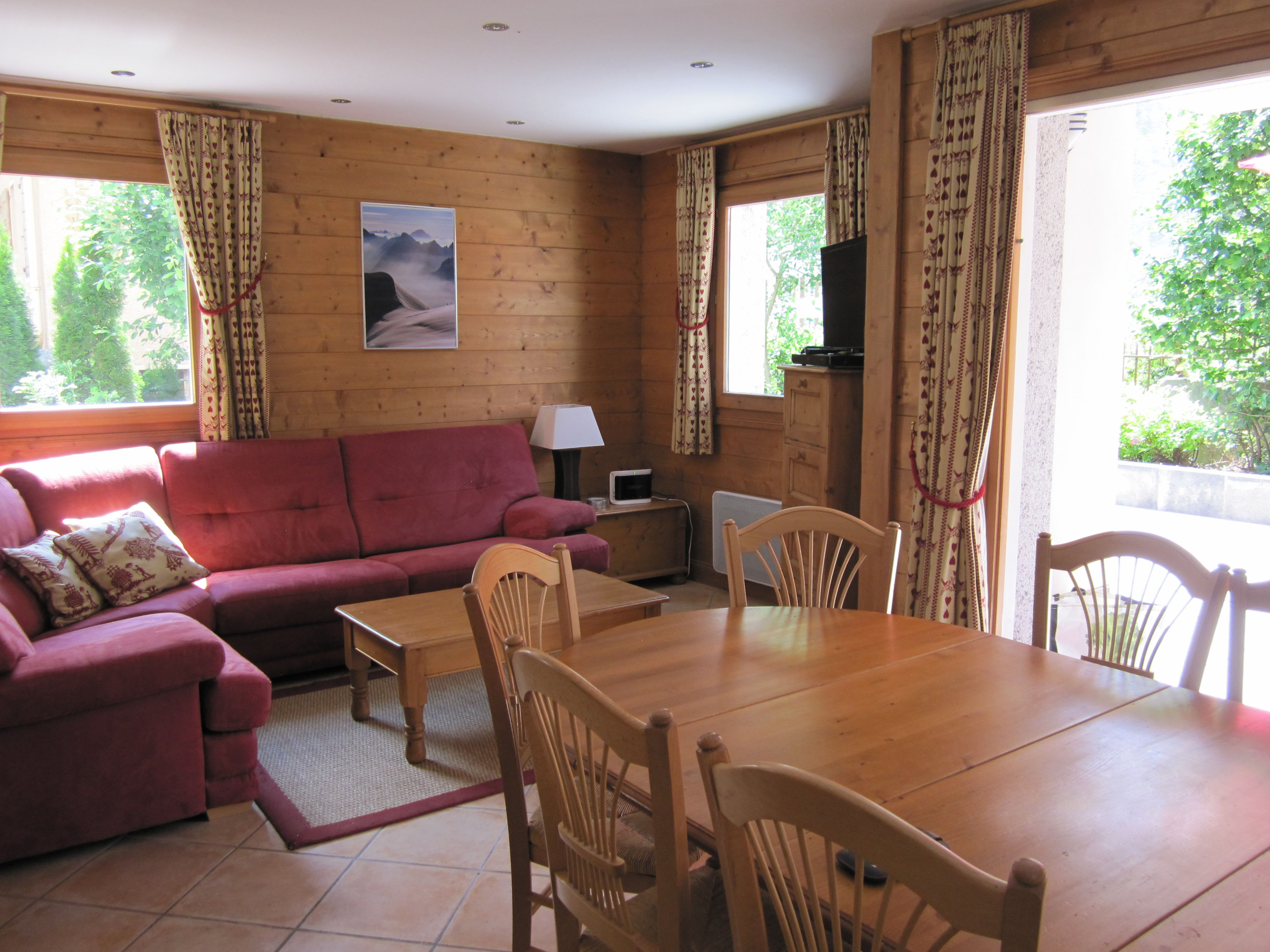 Three Bedroom Apartment Available for Winter 16/17
